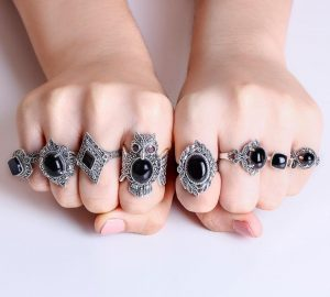 Oxidized Snake Marcasite Ring with Onyx 01